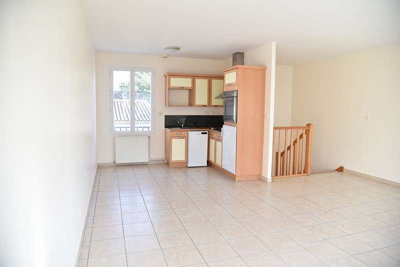 vente maison r cente 85 m angouleme 16000. Black Bedroom Furniture Sets. Home Design Ideas