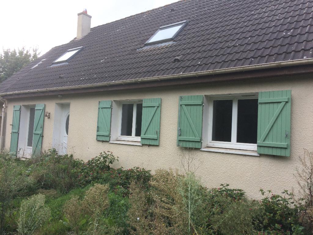 Proche Etrépagny, Maison de 135 m², 6 Chambres sur 1193 m² de terrain