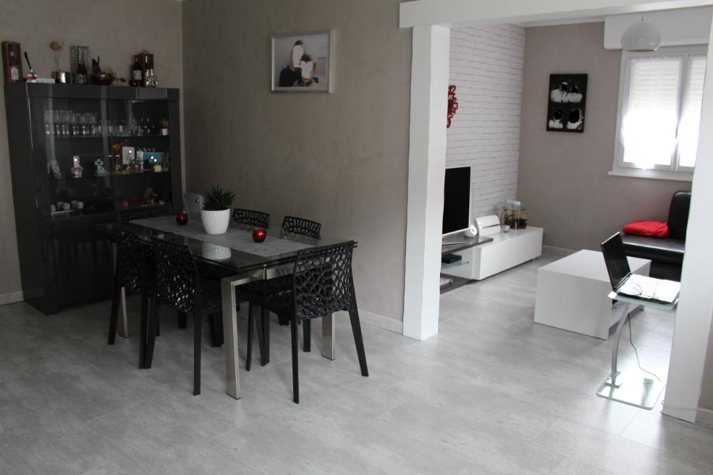 Morez - Appartement  92.55m² - 3 chambres - cave - garage -166 000