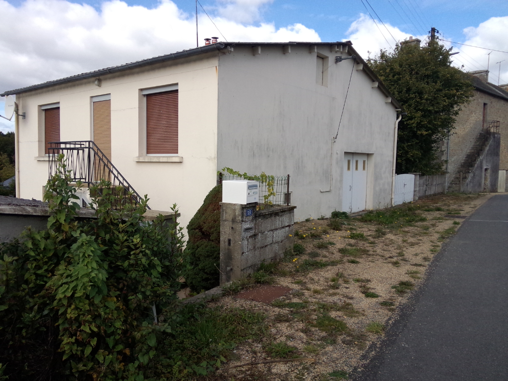Maison Langoelan équipement et ouvertures neufs avec grand garage