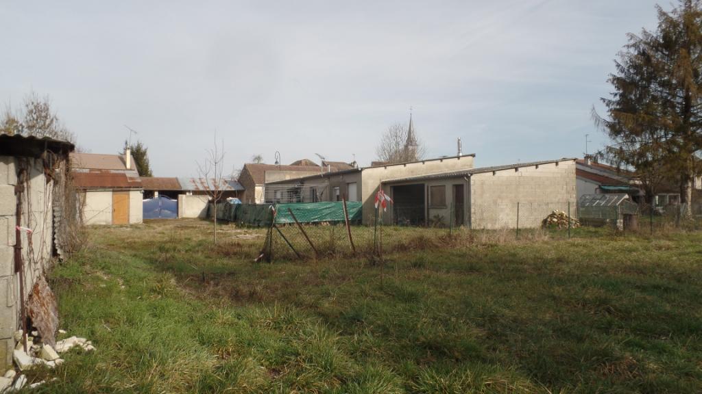 terrain constructible de 1034 m²