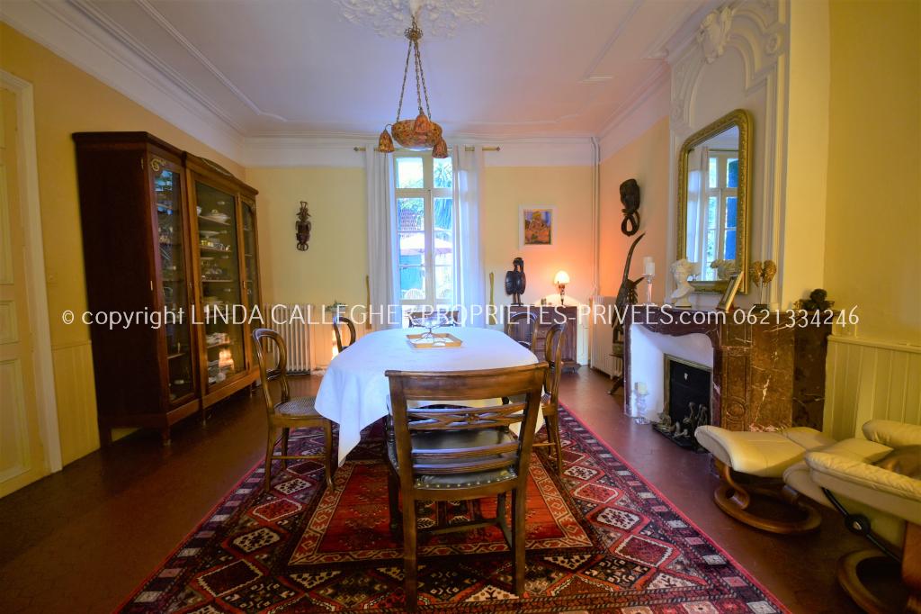 Ravissante Maison de Maître de 10 pièce(s) 300 m2 et jardin clos, Proche Pézenas