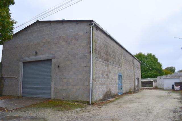 Hangar 225 m2 Nieul Les Saintes