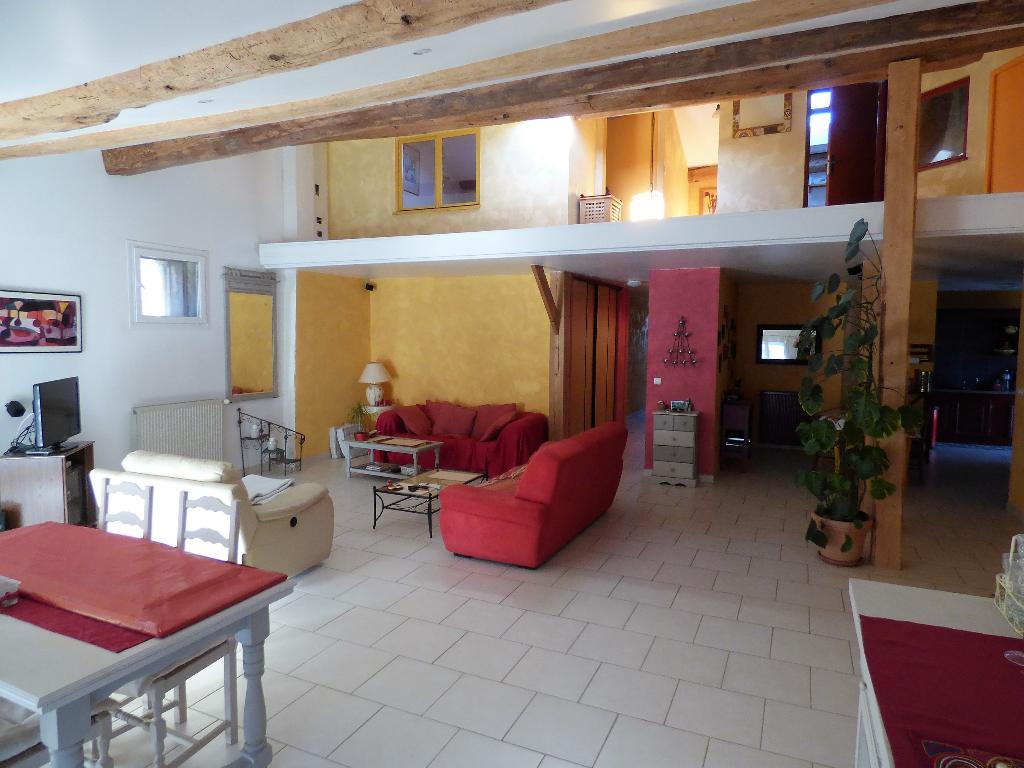 Maison Vigneronne Alignan Du Vent 6 pièce(s) 170 m2 avec terrasse et grand garage