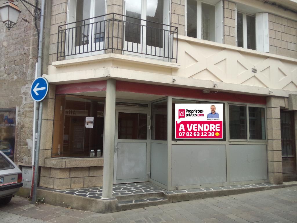 local ou Appartement plus bâtiment à rénover, plein centre Pontivy