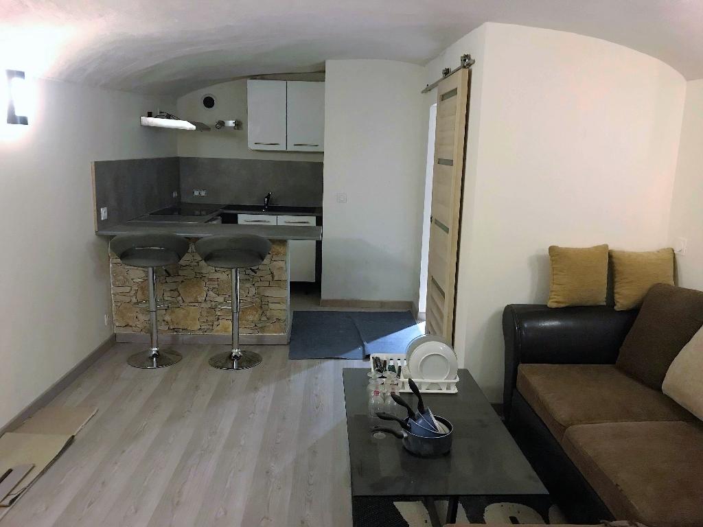 Appartement Ales 1 pièce(s) 28 m2