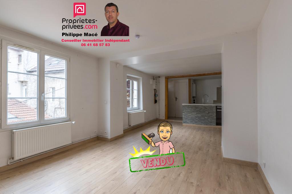Appartement T3 duplex - 76m2 - CLAYE SOUILLY (77410)