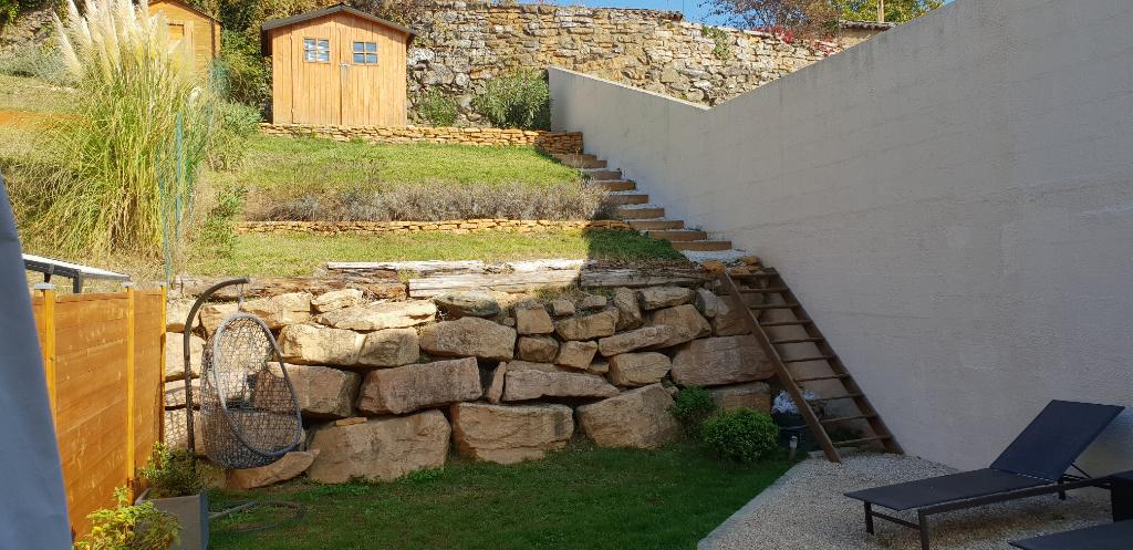 Maison 3 pièces avec jardin, terrasses et parking