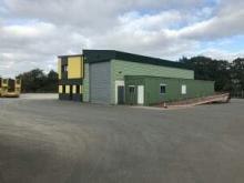 Entrepôt / local industriel  180 m2
