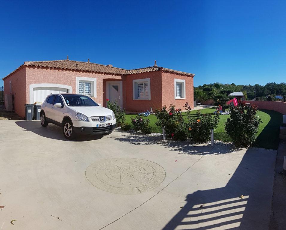 Villa 115m² avec garage , piscine ,vue imprenable sur  645m² de terrain