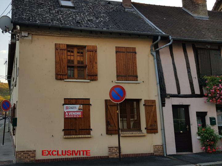 lES ANDELYS CENTRE MAISON DE 83 m2  AVEC 3 CHAMBRES 99.990