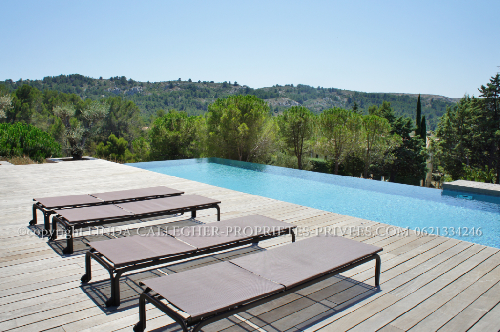 Sud de France, Villa d' Architecte, prestations Haut de gamme , piscine et studio , Massif de la Clape, proche Narbonne