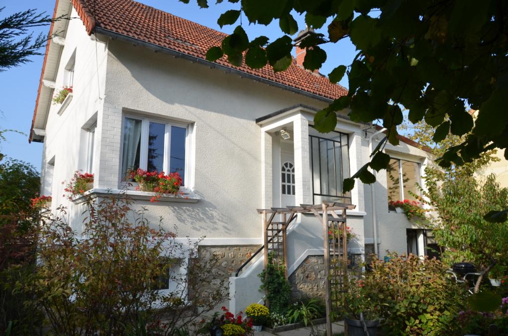 91700 - Sainte Geneviève des Bois  - Maison 8 pièce(s) 157 m²
