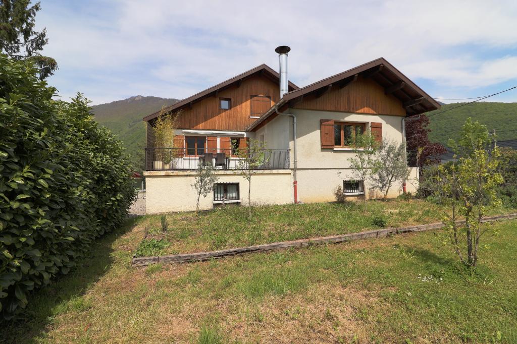 Maison 145 m², 5 Chambres,  DOUSSARD (74210)