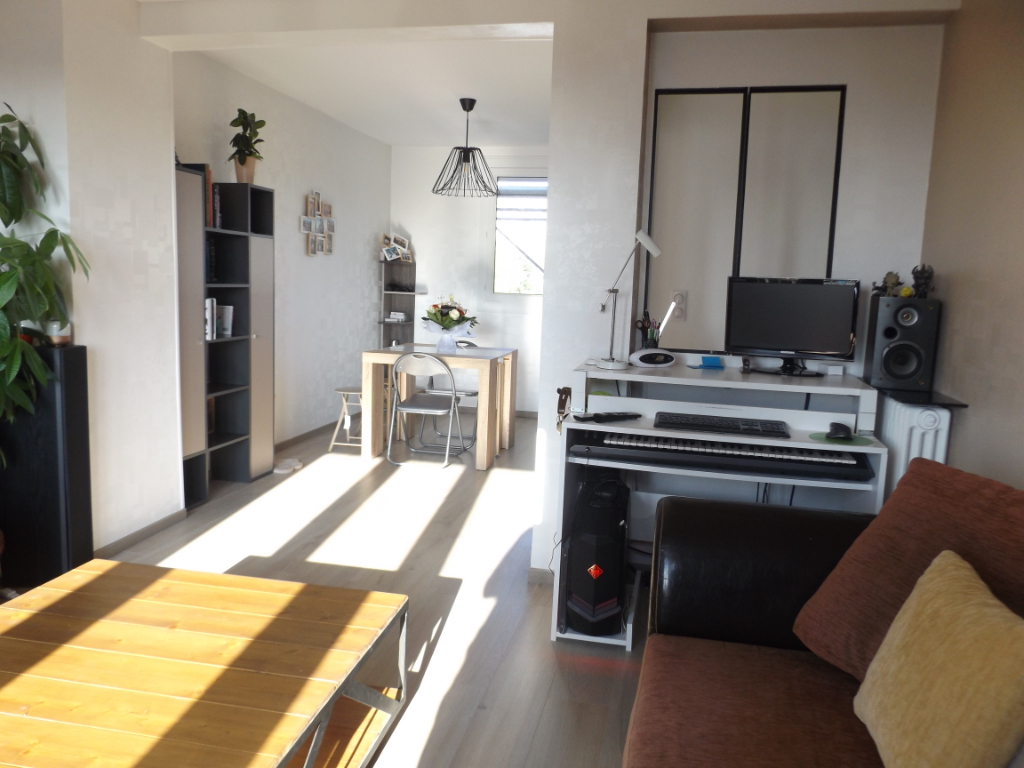 Appartement T4 - 64 m2 - Chalâtres/Dalby