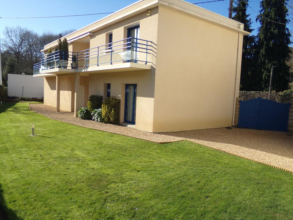 Maison contemporaine Hennebont 3 ch 132 m2  268 065 FAI
