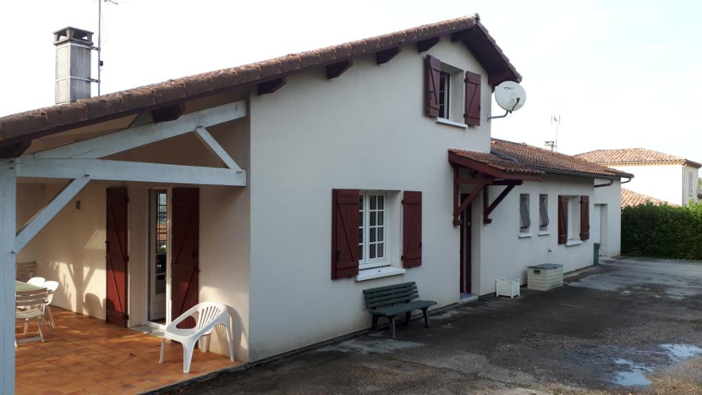 Charmante maison 3 chambres et 1 bureau avec piscine sur 2800 m2
