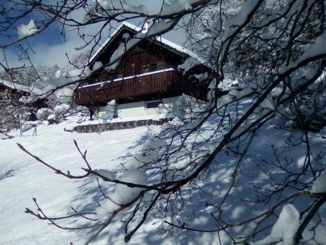 Vinzier, chalet bien ensoleillé  de 3/4P terrasse avec belle vue montagnes