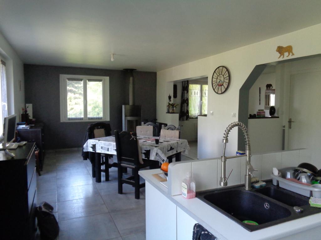 Le Monastier Sur Gazeille  maison de 145 m2 habitables, 3 chambres sur 1000 m2 de terrain