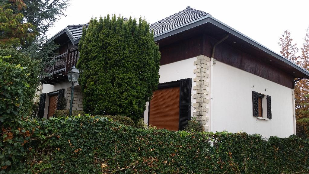 Belle Maison Individuelle de 278 m² habitable et à Adapter à Votre Style de Vie