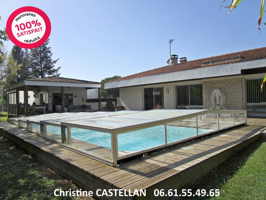 Maison Plain-pied avec piscine