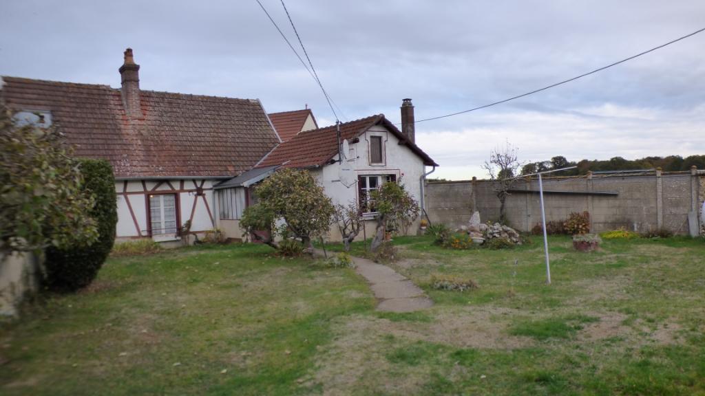 ILLIERS L EVEQUE 27770 Maison à rénover - 1 chambre - Dépendances - Terrain - 53990  HAI