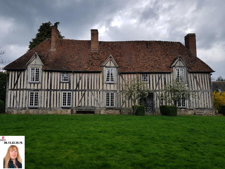 Beaumesnil proche du château - Belle Propriété Normande avec dépendances 783.000
