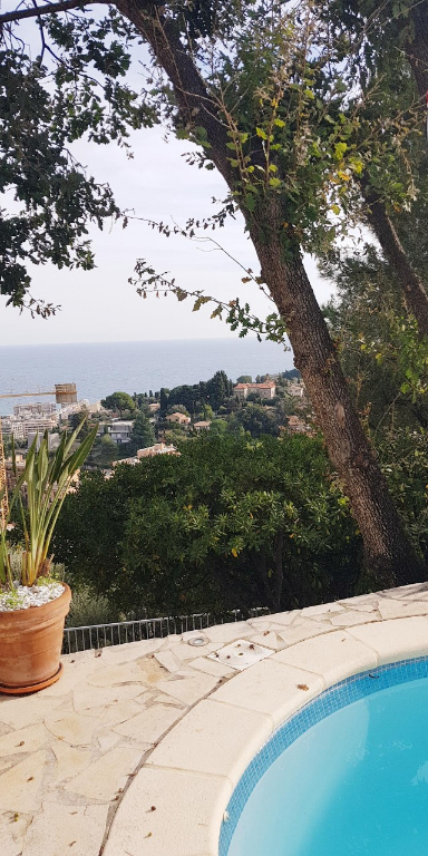 Villa Roquebrune Cap Martin. 3 chambres.190 m²