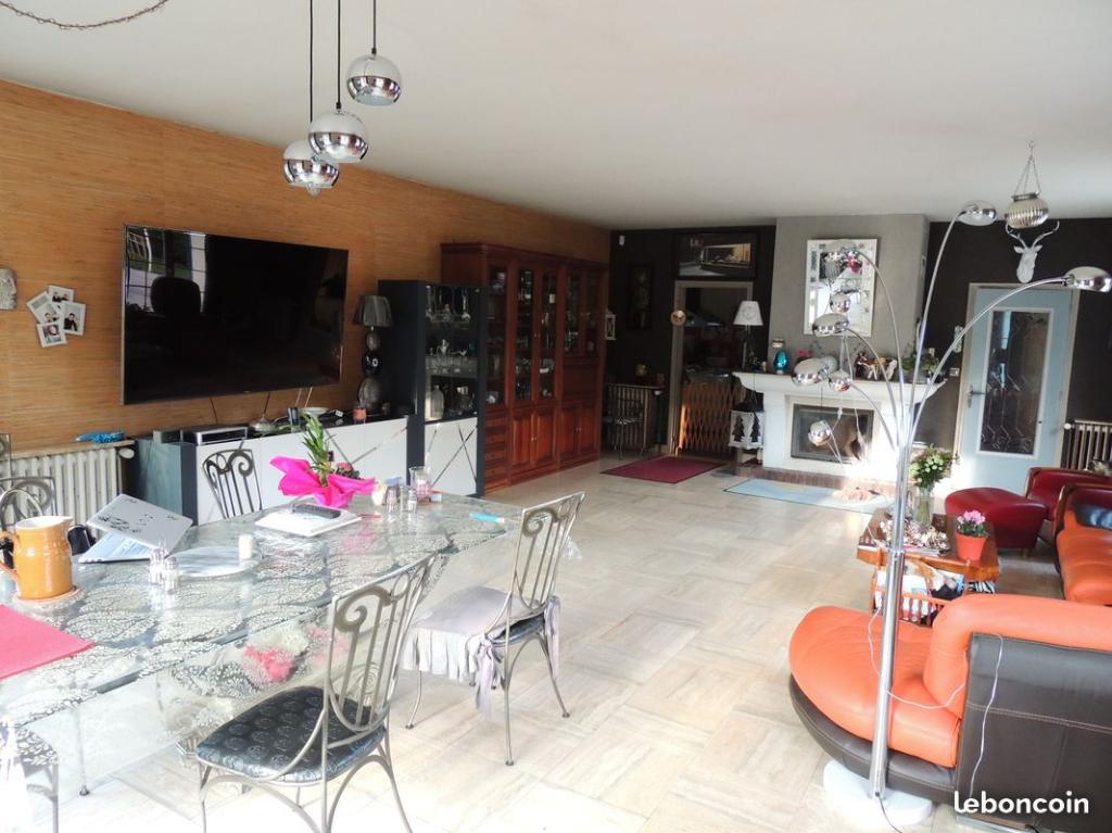 Somptueuse Villa Contemporaine sur Propriété de Charme aux portes de Paris, Cergy, Pontoise, 230m2 habitable,  5 Ch, sur Parc de 16000m2 clos