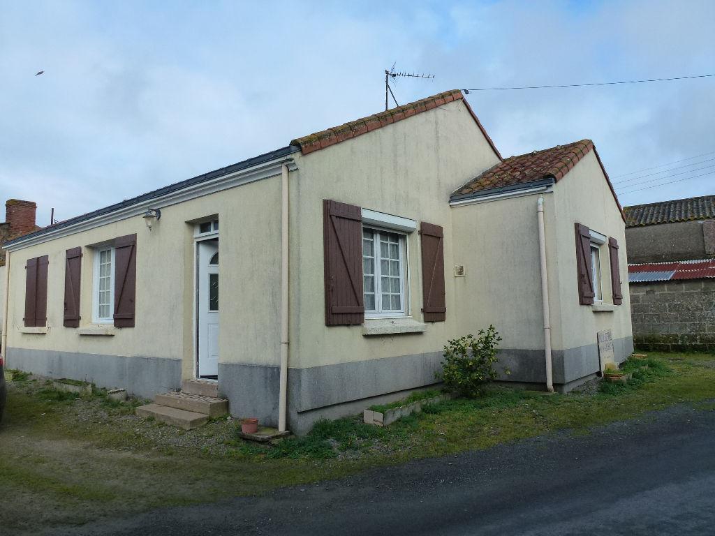 Maison et dépendances Saint Hilaire De Chaleons
