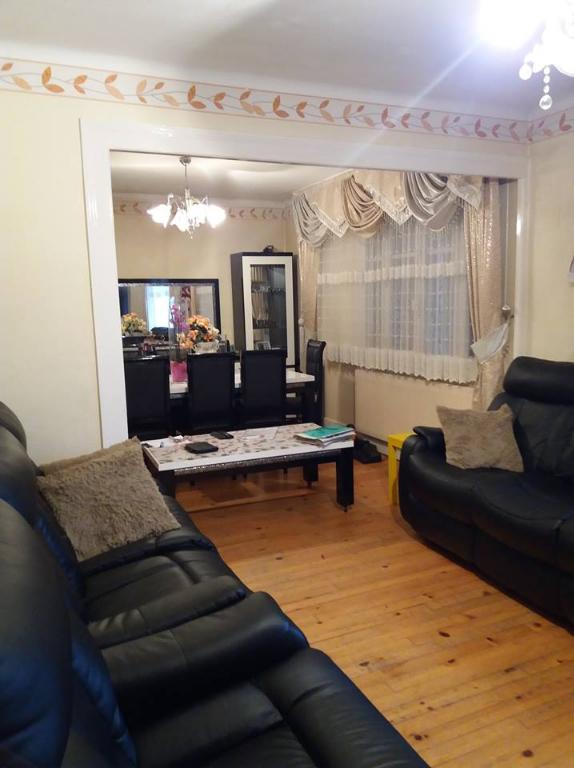 Maison Bourg  3 pièce(s) 80 m2