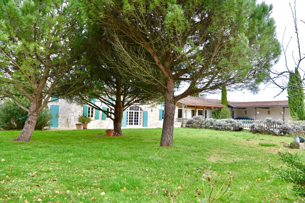 Maison Saint Sulpice De Cognac 10 pièce(s) 300 m2