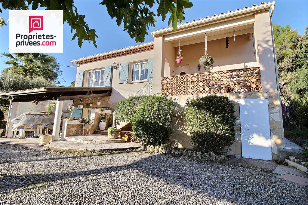 Villa  6 pièces 155 m2 sur 2300 m²