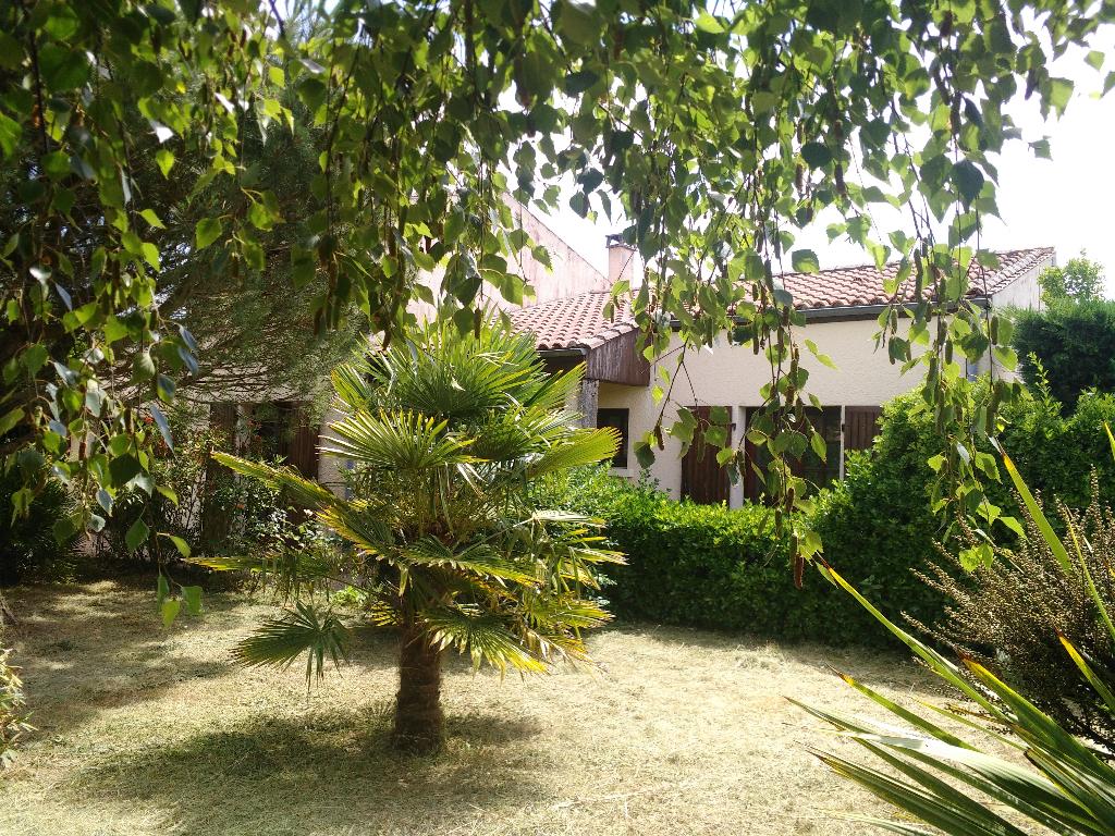 Maison MURON au calme dans un village 6 pièces 130 m2 environ