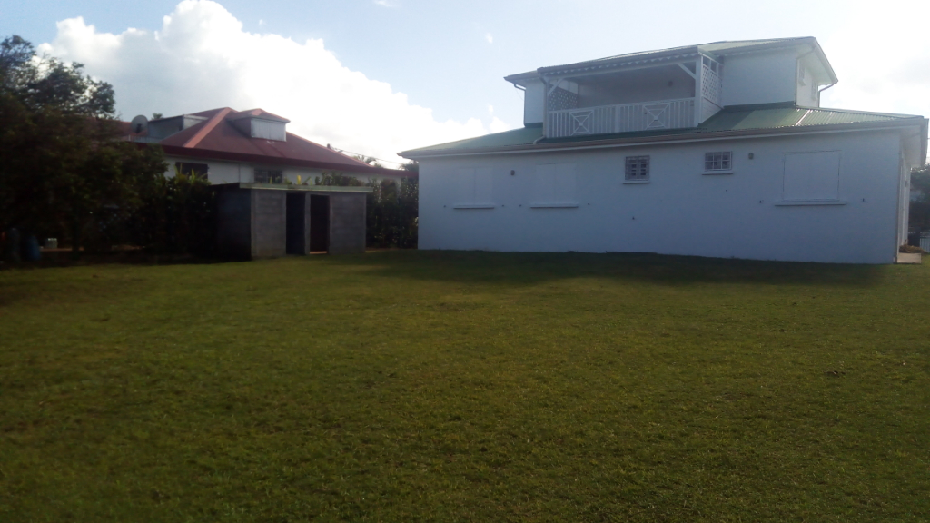 Grande Villa T5 de 126 m2 à  Les Abymes