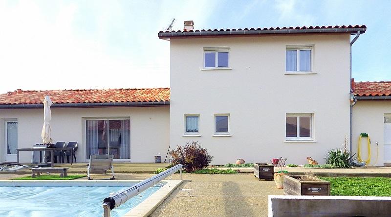 Belle maison 155 m2 4 ch piscine et dépendances