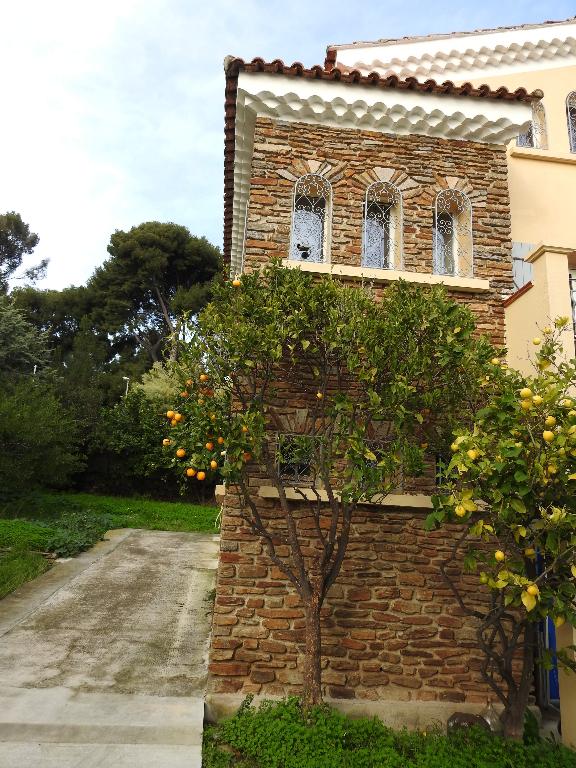 Villa  9 pièce(s) 260 m2 à la Seyne Sur Mer