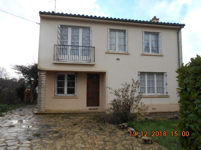 Maison Lezay 8 pièce(s) 134 m2