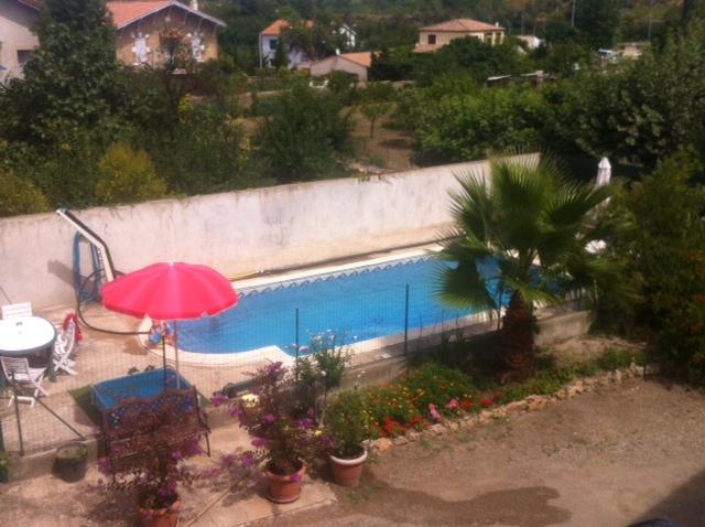 Maison type 6 de 160m² avec cour de 310m² et piscine /garage