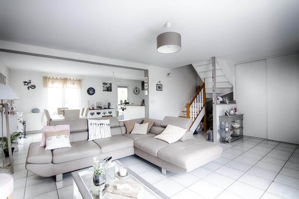 Maison Cissé 5 pièce(s) 104 m2