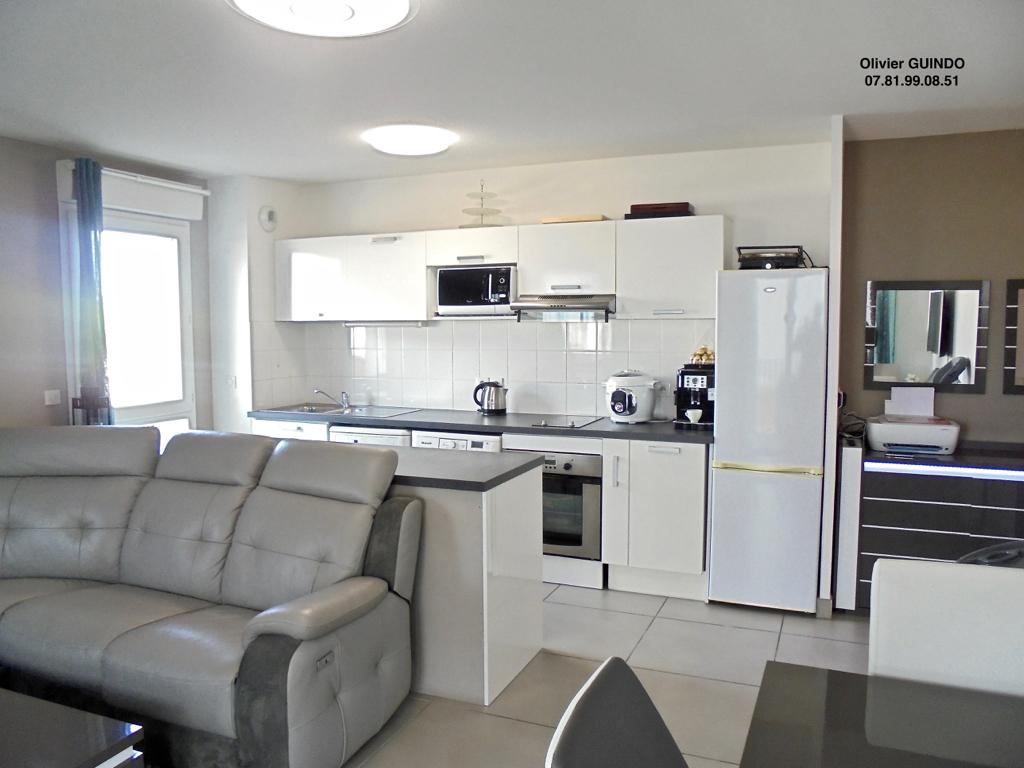 Appartement 3 pièces de 60 m2 avec 1 terrasse et 1 parking en sous-sol