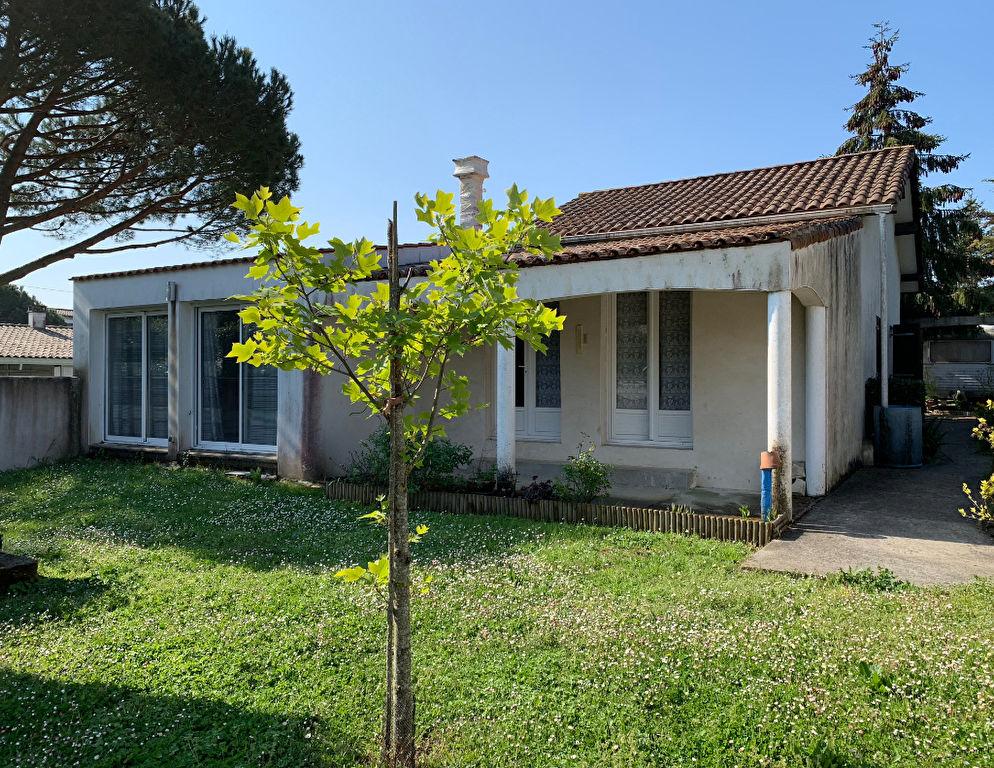 17640  Vaux Sur Mer Villa 5 pièce(s) 108m²  Plein pied garage jardin