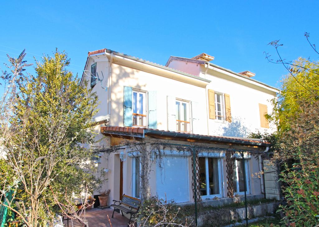 Maison  de Ville 2 chambres 70 m2 DIgne-les-Bains (04000)