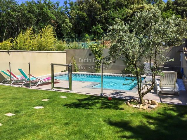 Villa 150m² dans village provençal à La Garde Adhémar 330 000