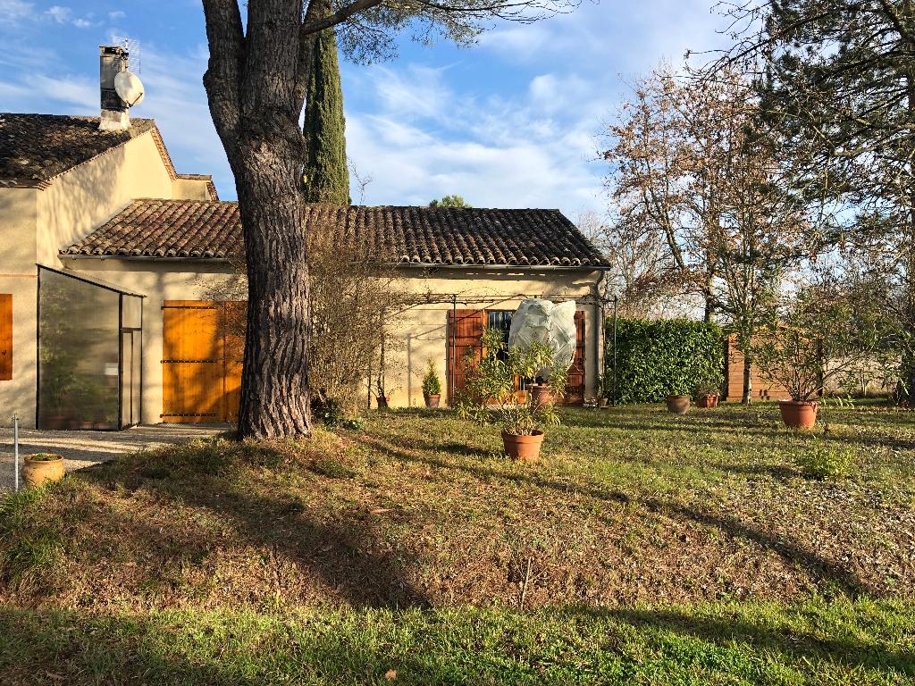 Marmande Charmante maison 6 pièces 5 chambres 170 m2 et un magnifique jardin de 14000m2