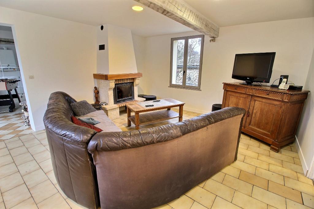 ANGY - 60250 Longère 2 chambres bureau + GRANGE de 100m²