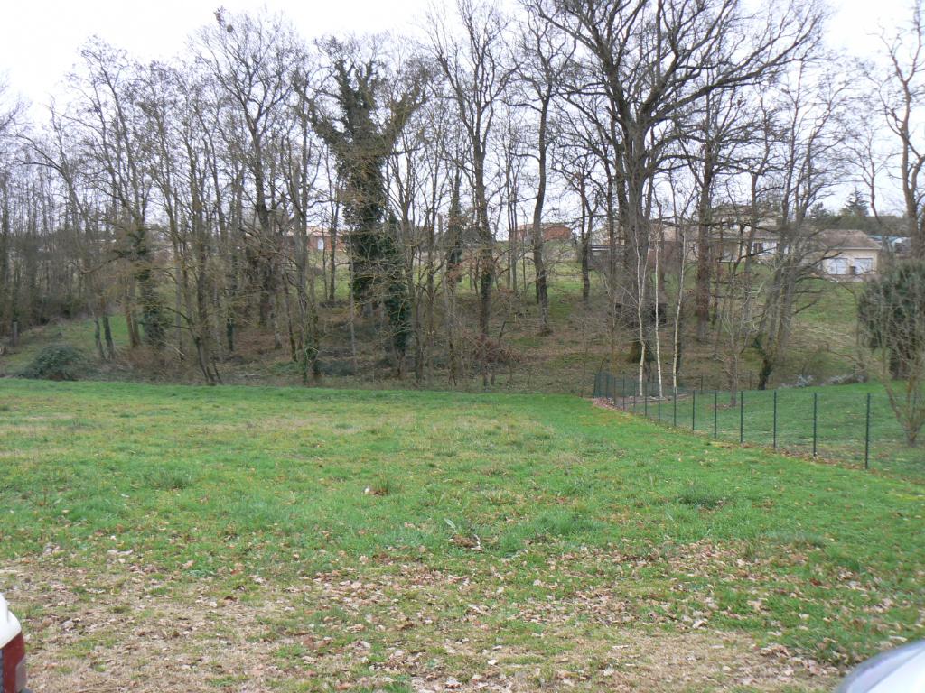 Terrain 1800 m² à proximité de Marmande