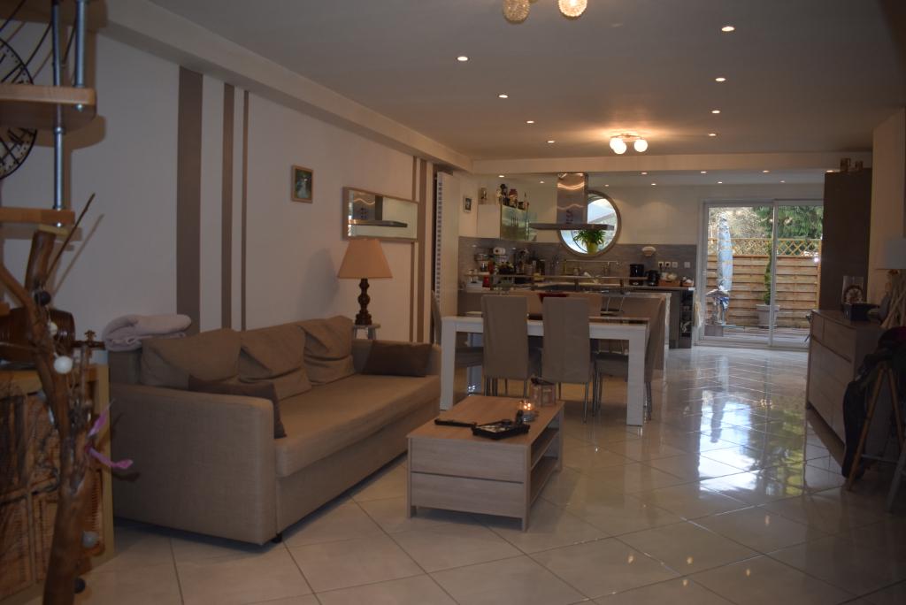 Immeuble Saint Claude 8 pièce(s) 260 m2