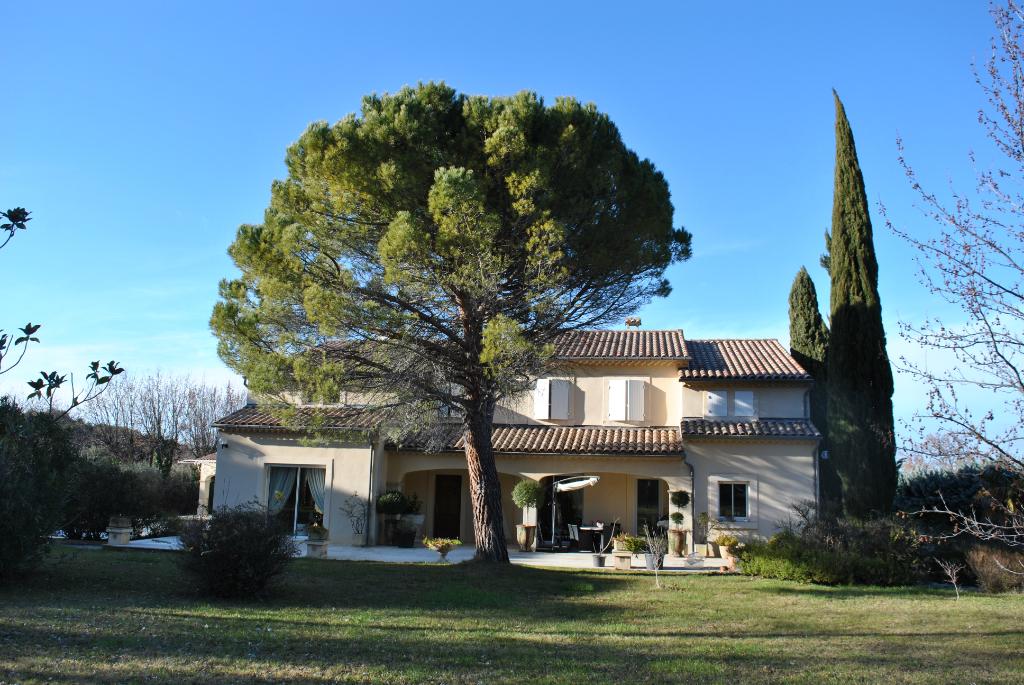 Villa Valreas 7 pièce(s) 300 m2