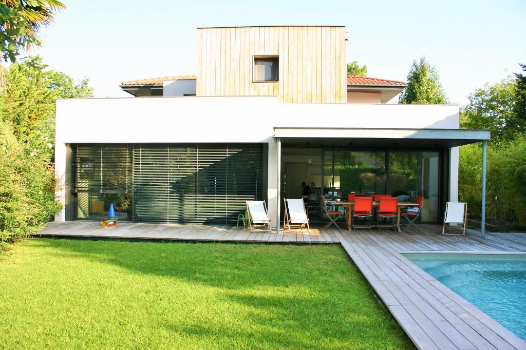 Villa  contemporaine  GUJAN MESTRAS 10 pièce(s)
